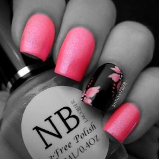 Uñas color coral con diseños bonitos y fáciles llenos de color