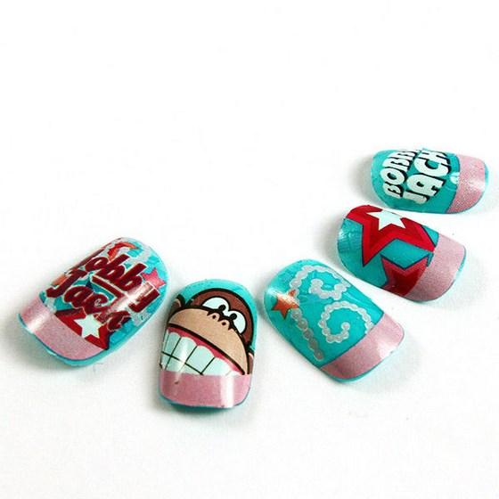 hermosas uñas postizas con diseños