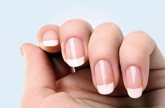 Resultado de imagen para pintar uñas con base protectora