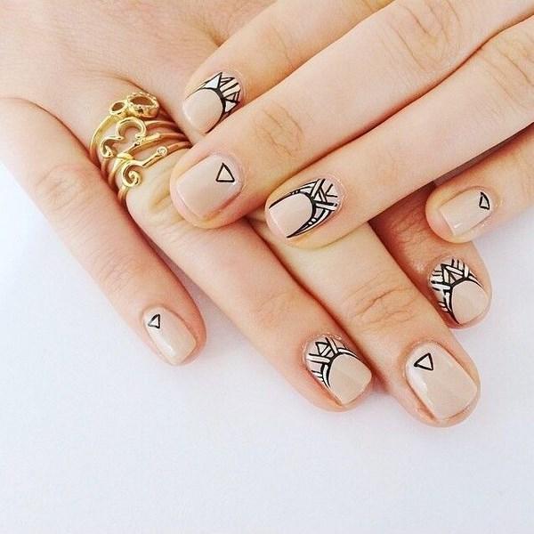 decorando uñas naturales color nude