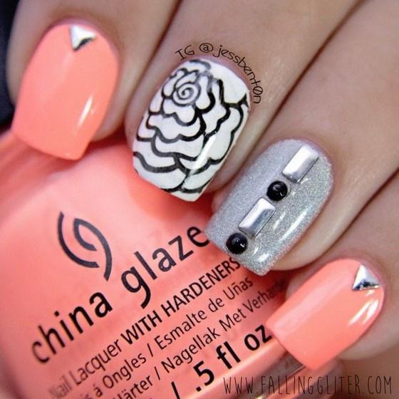 diseño de uñas coral con piedras