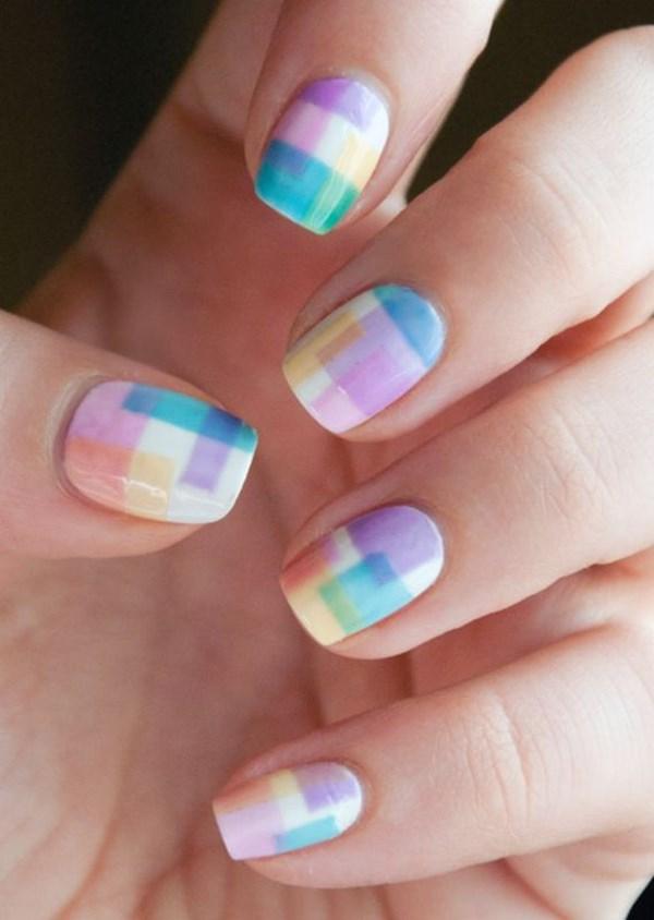 diseño de uñas cuadriculado color pastel