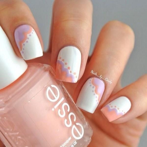 pintar uñas color pastel