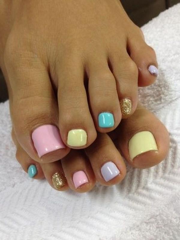 uñas de los pies color pastel