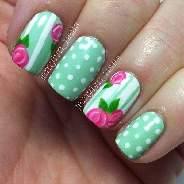 uñas decoradas color pastel con flores
