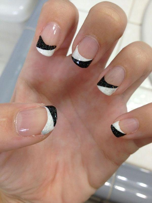 uñas estilo francesa blanco y negro