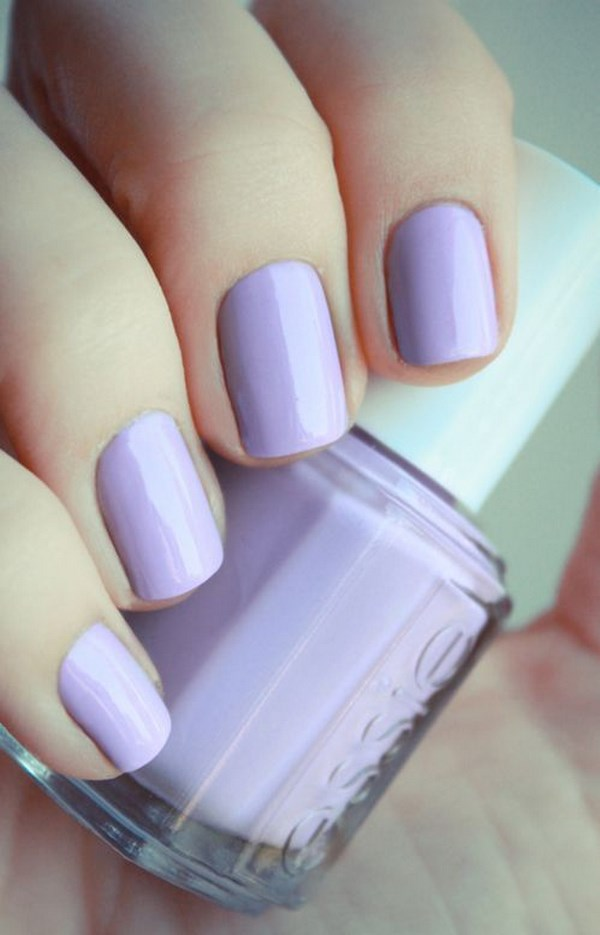uñas violeta pastel