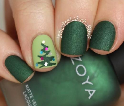 uñas cortas con diseño navideño