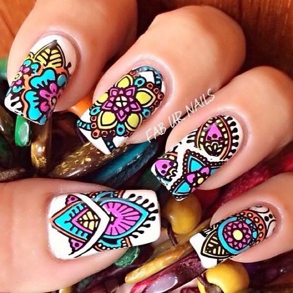 dibujo colorido para uñas largas
