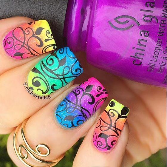uñas estampadas de colores