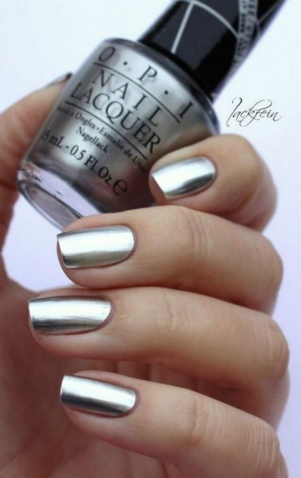 esmalte de uñas metalico