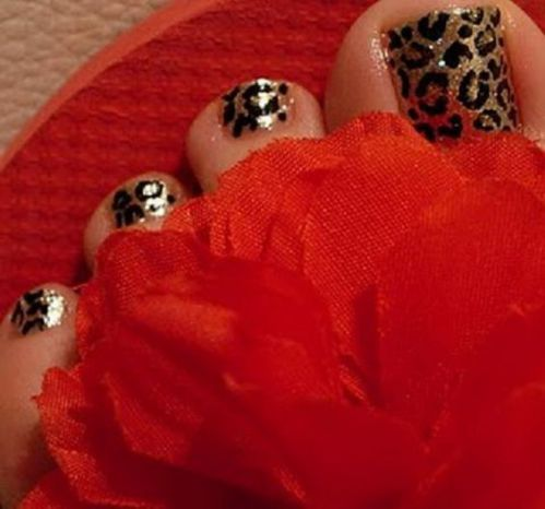 animal print uñas pies