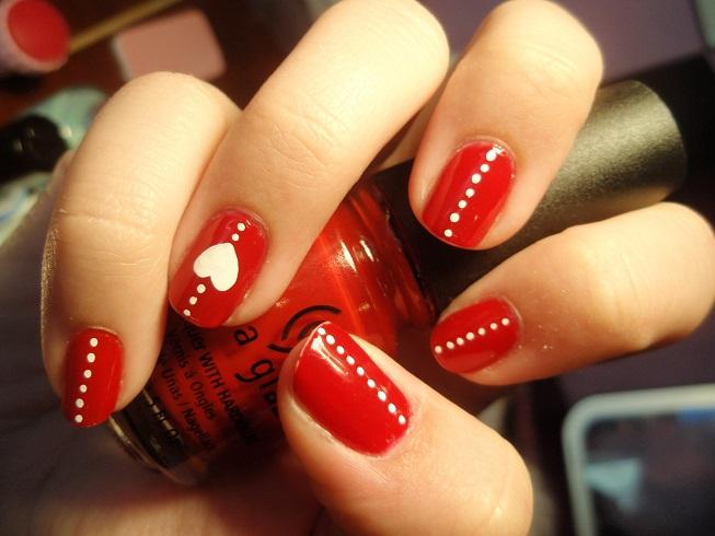 diseño rojo y blanco con formas