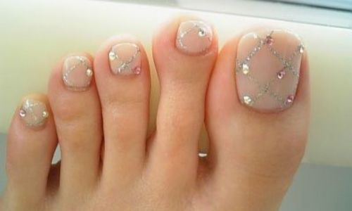 uñas decoradas para pies con accesorios