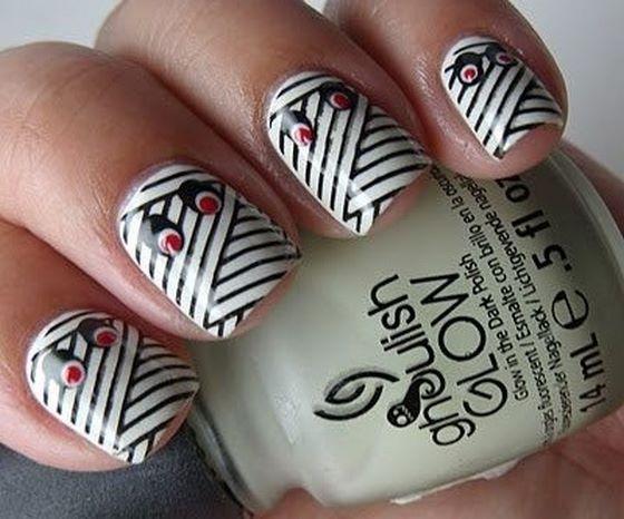 pegatinas de uñas blanco con rayas