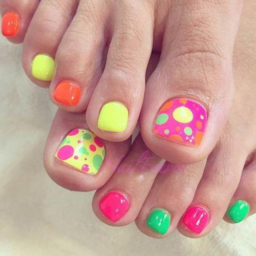 uñas de colores para pies