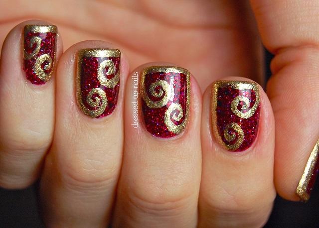 uñas decoradas en rojo