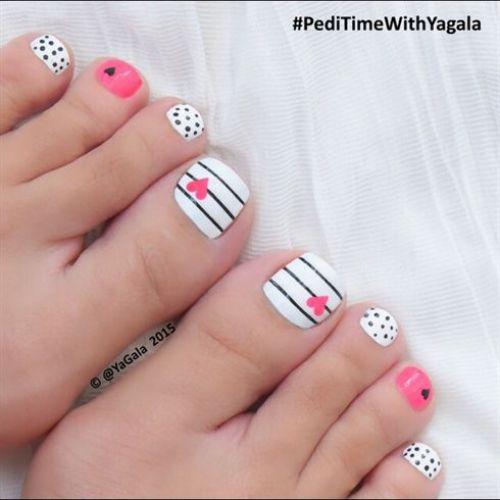 uñas para pies decoradas con corazones