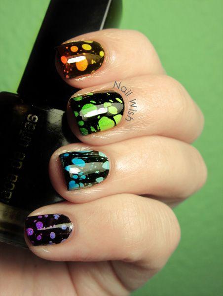 decoracion de uñas en agua negras