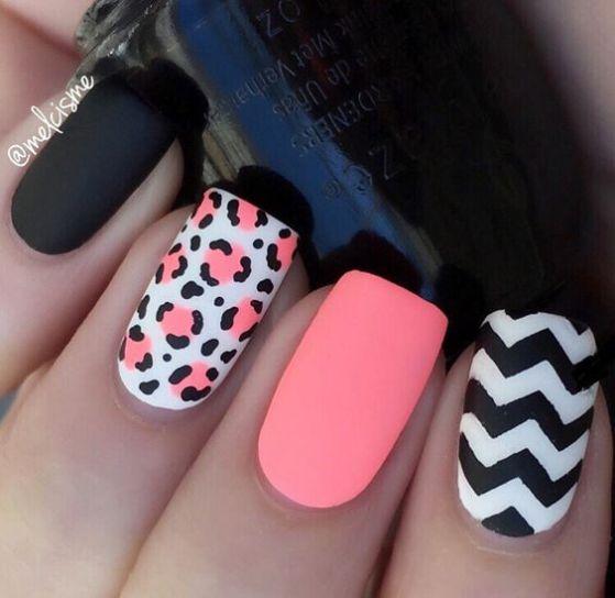 diseño de uñas de 2 colores