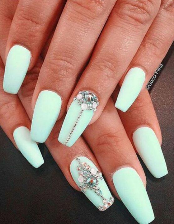 diseño de uñas esculpidas