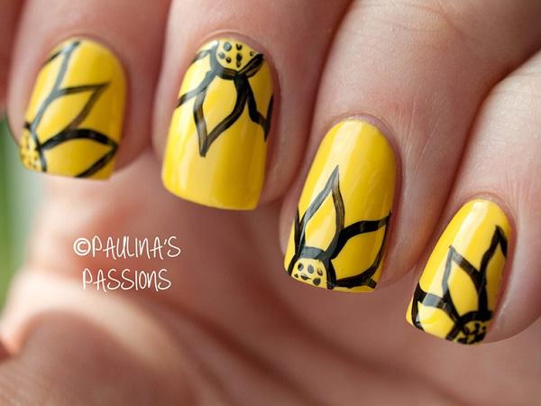 uña amarillas con flores