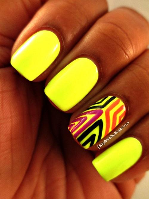 uñas amarillo de neon