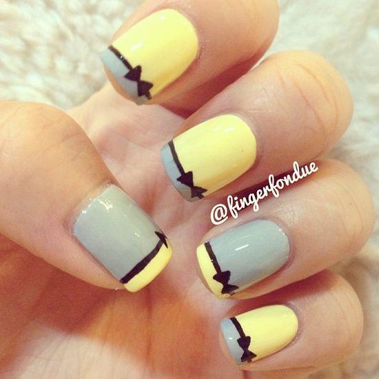 uñas con diseño amarillo sencillo