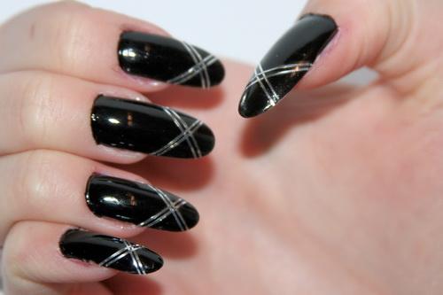 uñas negras largas