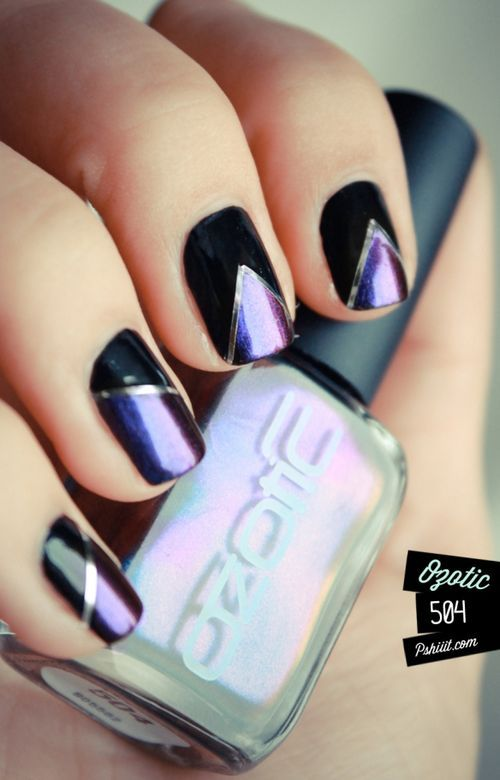 combinacion negro y violeta uñas con cintas