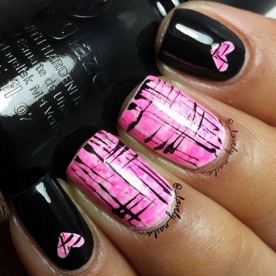 decoracion de uñas rosadas con negro