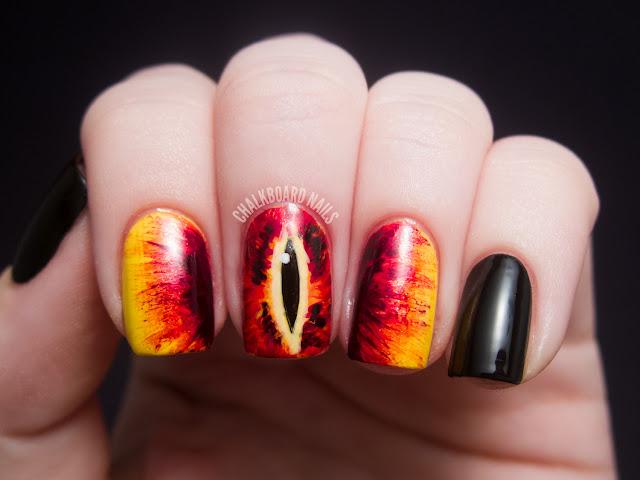 eye-of-sauron-nail-art