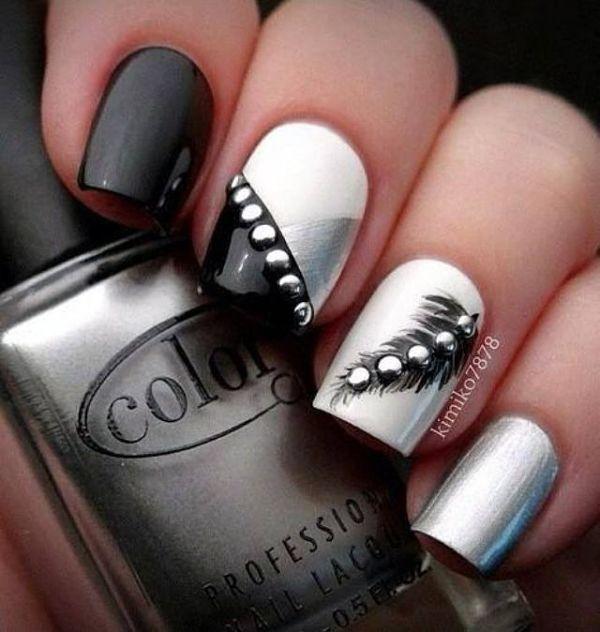 uñas blanco negro y plateado