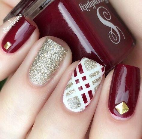 Uñas Con Cintillas Blancas (2)