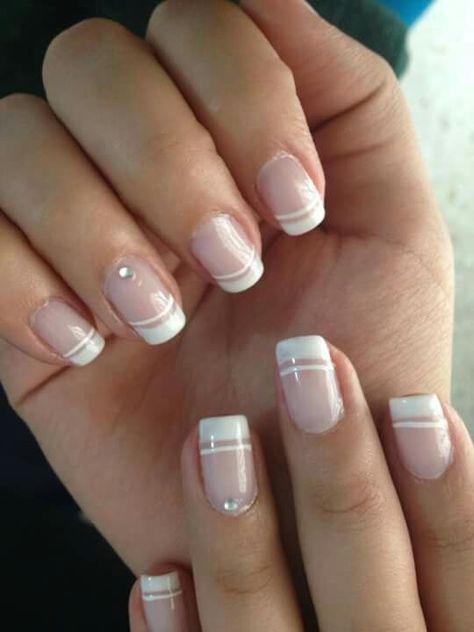 Uñas Con Cintillas Blancas (5)