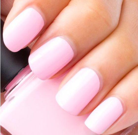 uñas cortas color rosa