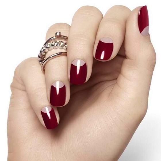 diseño de uñas rojo elegante