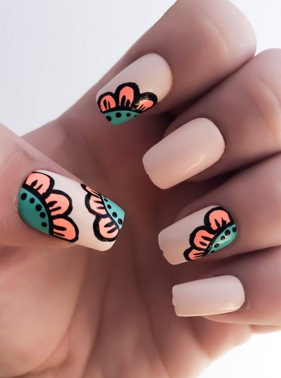 uñas artificiales rosa con flores