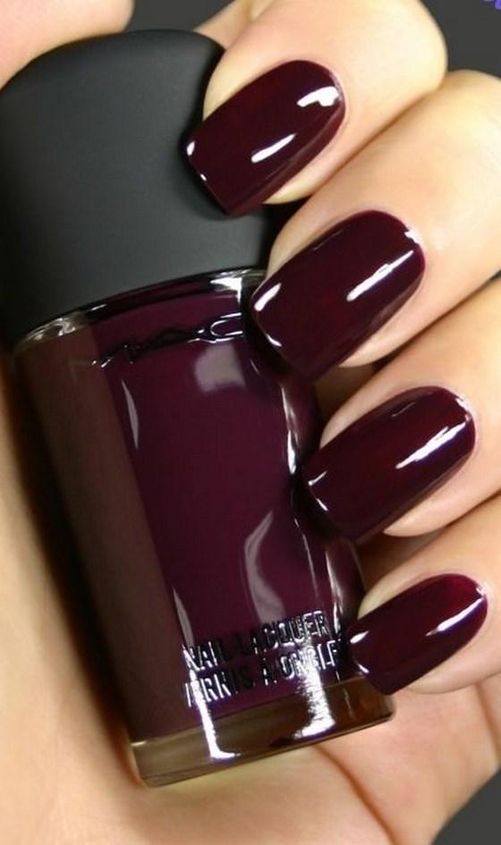 uñas de un solo tono rojas