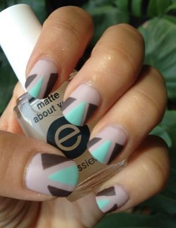 decoracion de uñas con triangulos