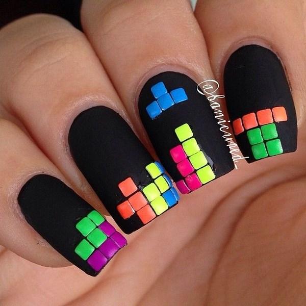 uñas de chica gamer tetris