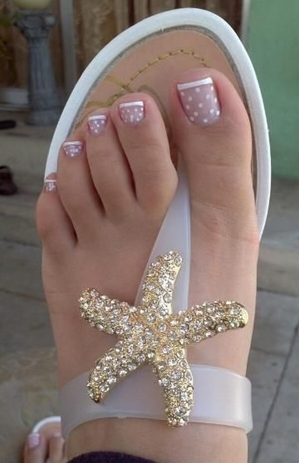 uñas de los pies perfectamente pintadas