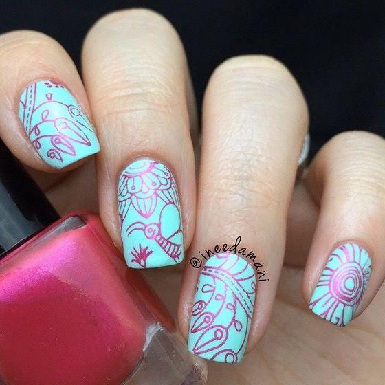 bonitas uñas estampadas