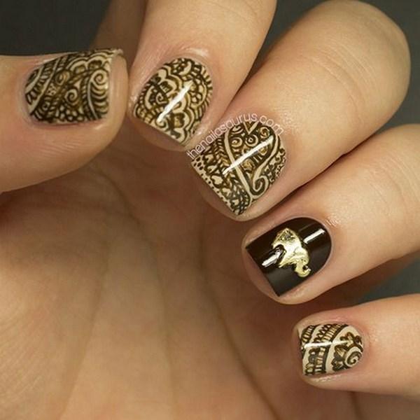 uñas cortas naturales con dibujos hechos a mano