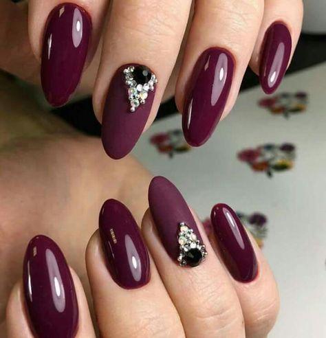 Uñas Decoradas Color Vino Con Piedras (3)
