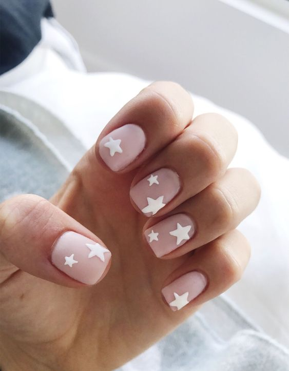 Uñas Rosa Decoradas Con Blanco (2)