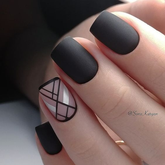 Uñas Plata Con Negro (1)